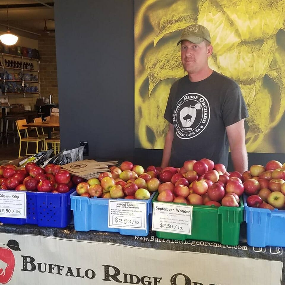 apple orchard farmers market stand
