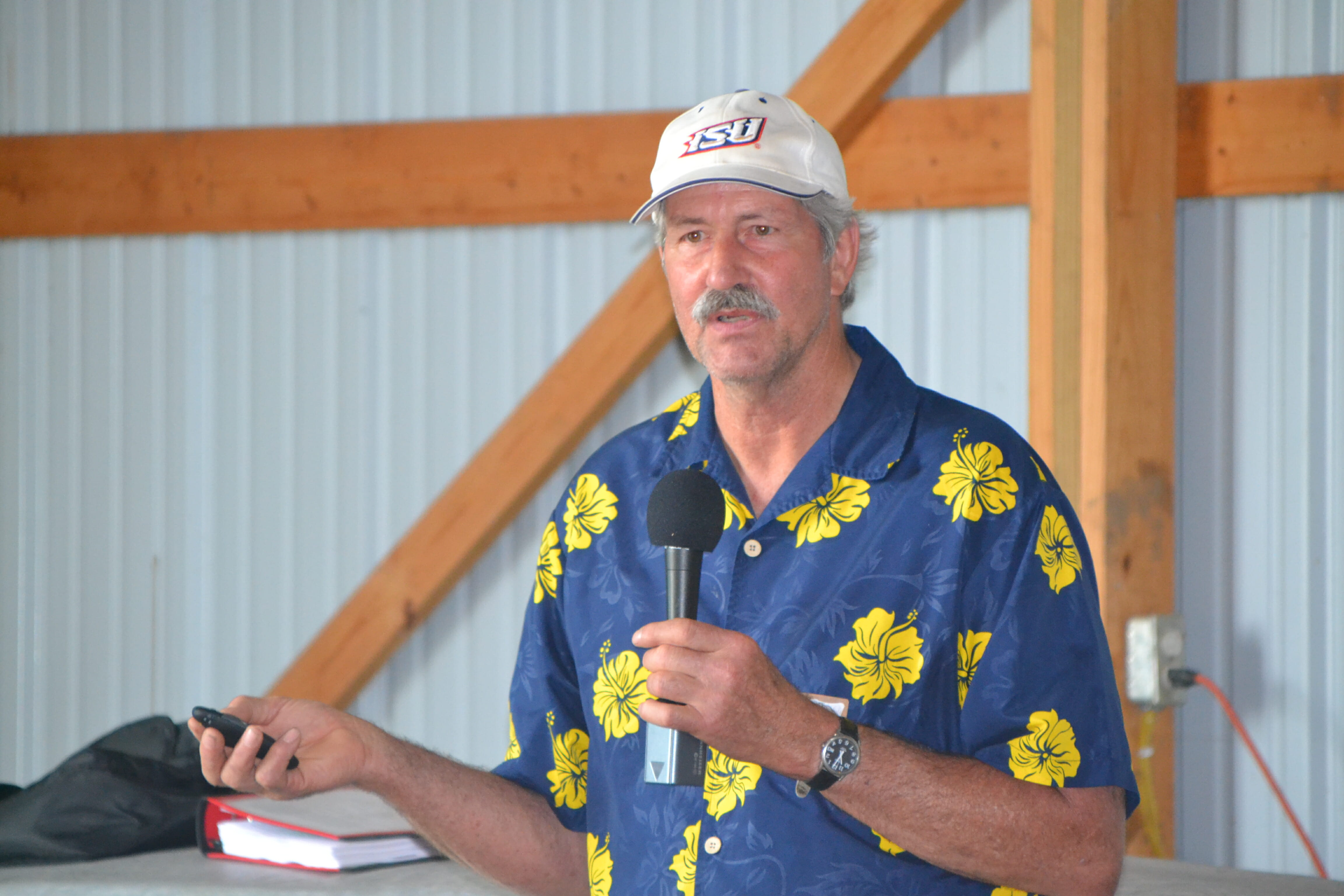 Long-time PFI member Paul Mugge contributed to the discussion on weed control.